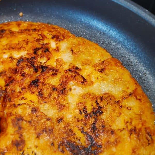 Rösti van aardappel, wortel en kaas