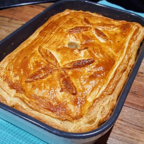Pastei met kip, ham en prei