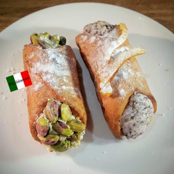 Cannoli met twee verschillende vullingen