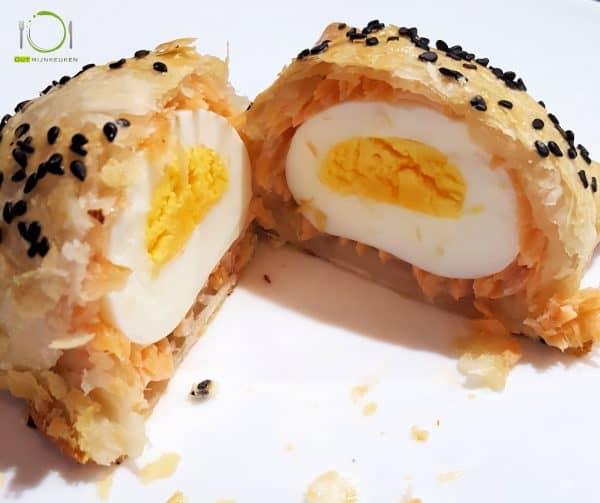 recept Ei omwikkeld met zalm en bladerdeeg