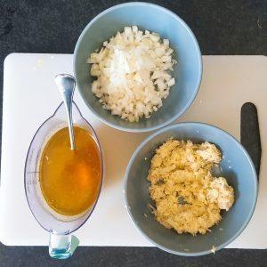 mise en place voor eiercurry