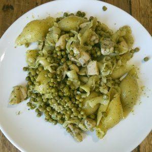 hoofdgerechten pasta pesto met kip