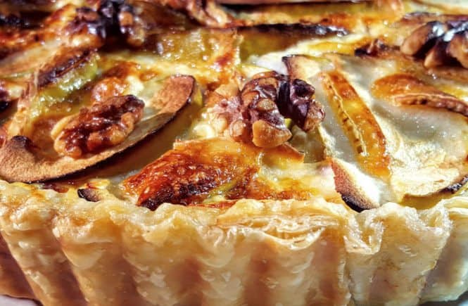 Quiche met brie, ham en waltnoten