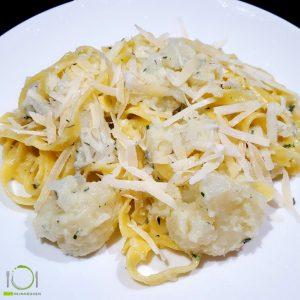 hoofdgerechten pasta hoofdgerechten vegetarisch pasta met bloemkool en gorgonzola