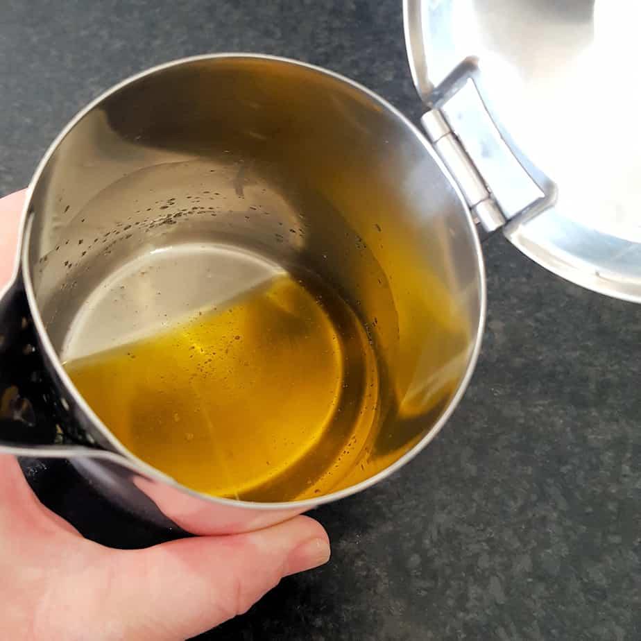 Techniek: geklaarde boter (ghee) maken