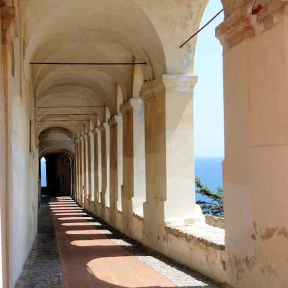 Galerij; Imperia, Ligurië, Italië
