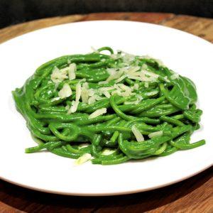 Een bord pasta verde als vegetarisch gerecht