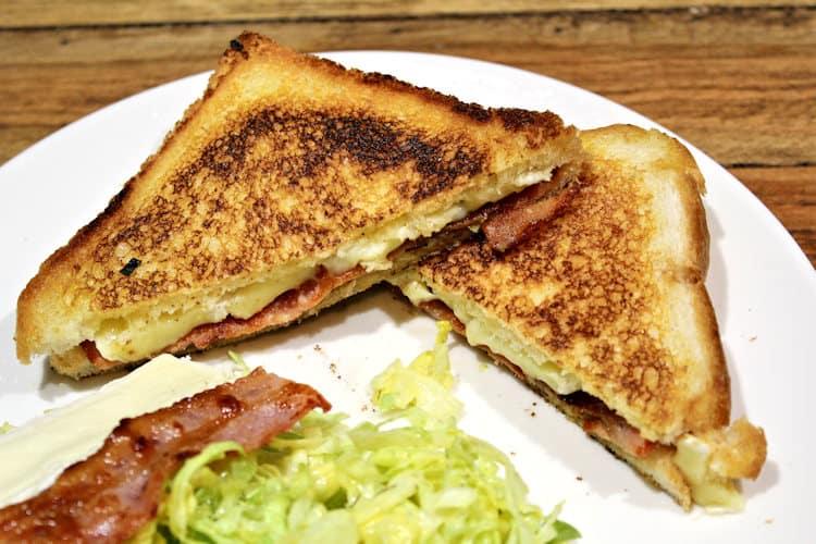 tosti met brie en bacon